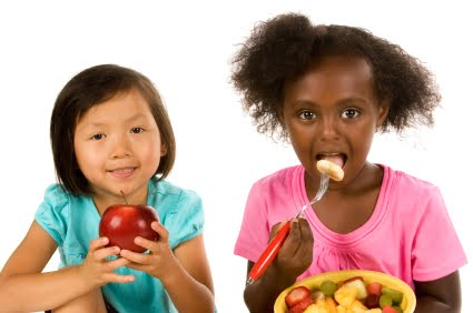 girls-eating-fruit-salad1